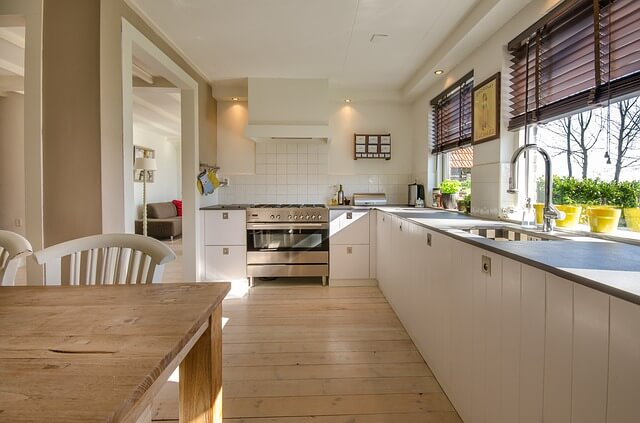 Tidy and spacious kitchen